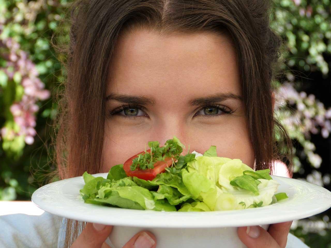 Abnehmen ohne Mangelernährung - Darauf sollten Sie achten.