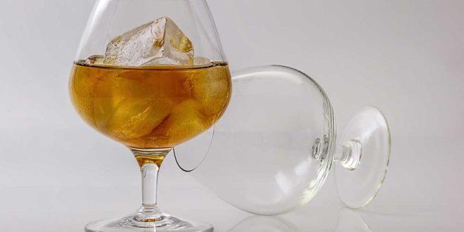 Auf Alkohol verzichten und sofort abnehmen - Darum funktioniert es so gut!
