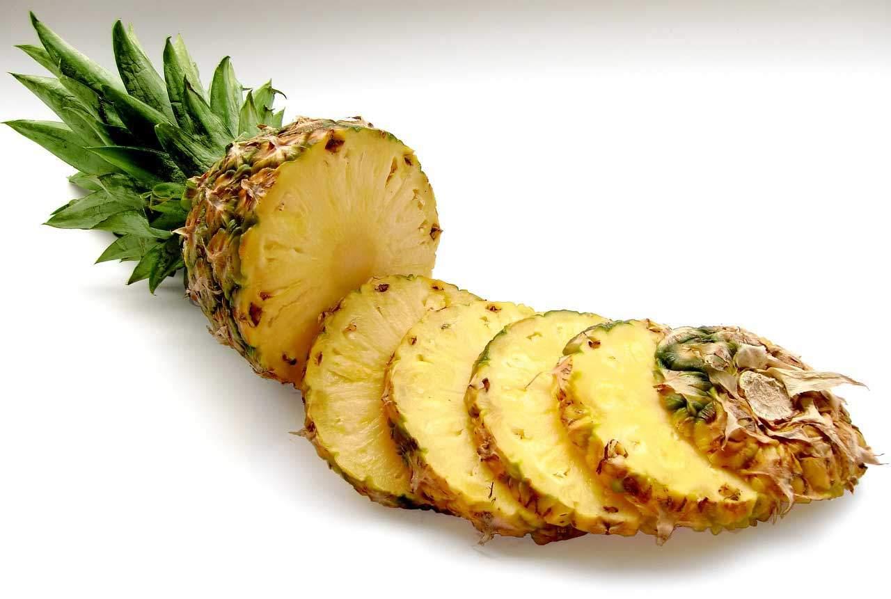Wie funktioniert die Ananas Diät? Fettverbrennung dank Enzyme.