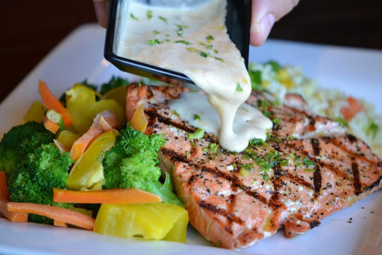 Diät Abendessen - Wenig Kohlenhydrate -> Gemüse und Salat sparen so manche Kalorie.