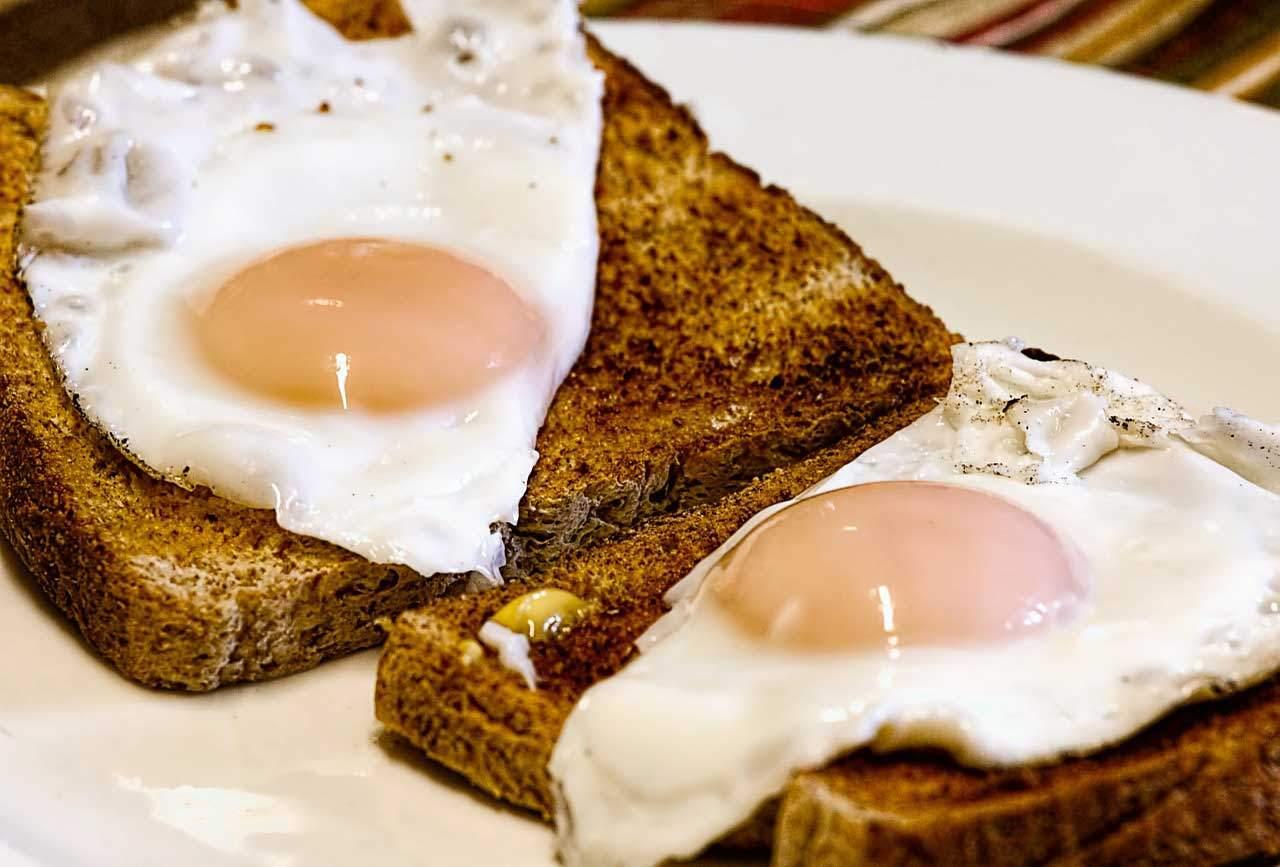 Gerne mal ein Spiegelei als Eiweiss Diät Frühstück.