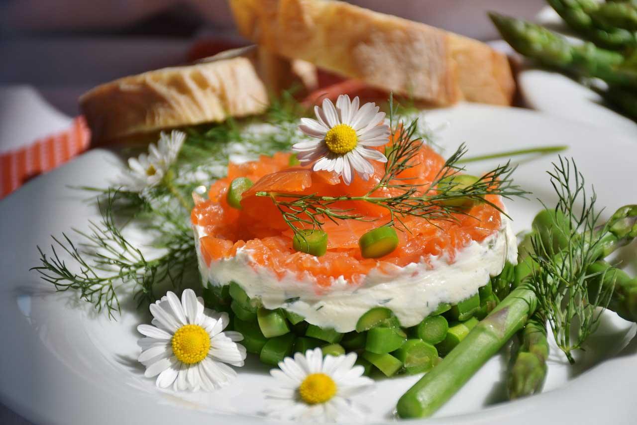 Essen ohne Kohlenhydrate: 55 Low-Carb-Rezepte – Schnell und einfach – Auch vegan und vegetarisch