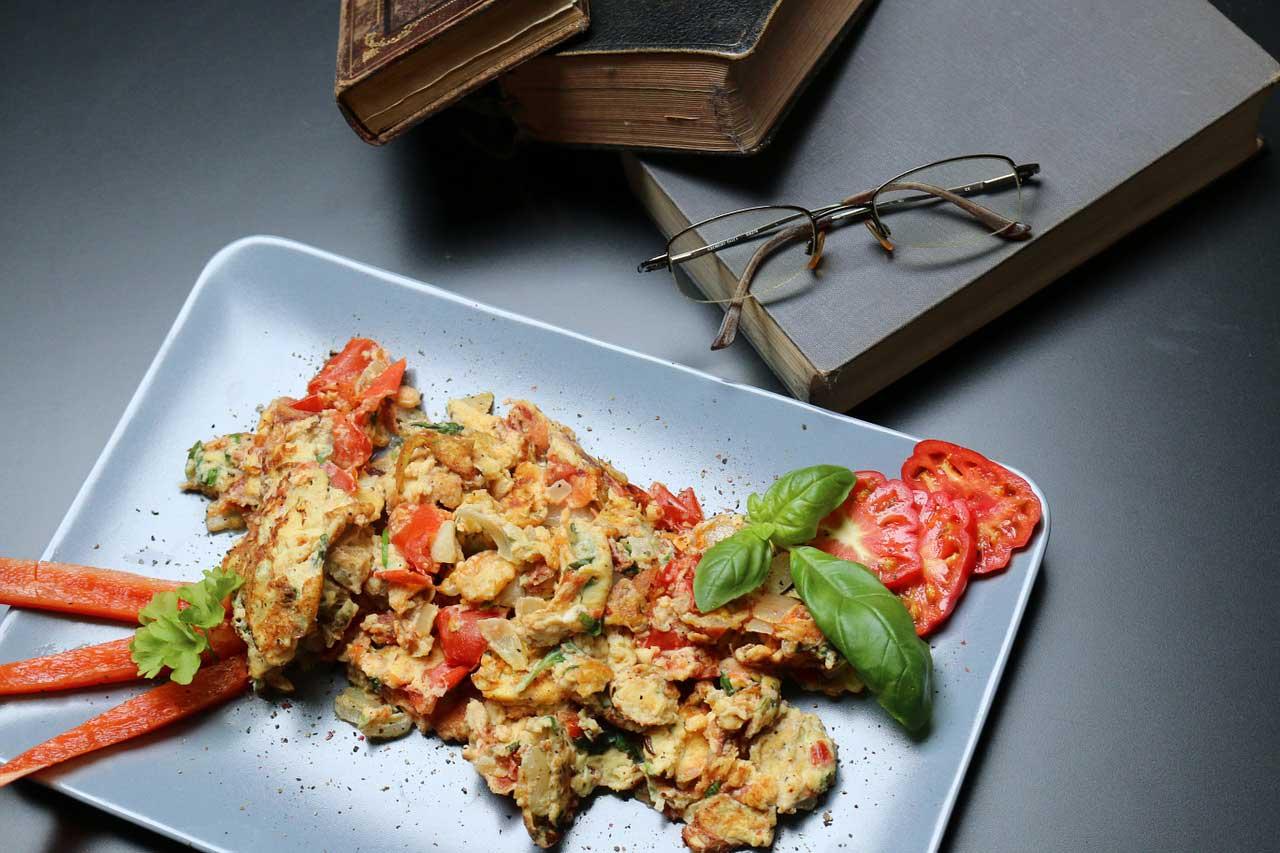 Eiweißreich am Morgen: Leckere Frühstücksideen ohne Kohlenhydrate