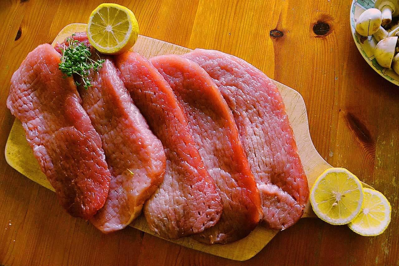 Beim Low Carb Fleisch auf Qualität achten.