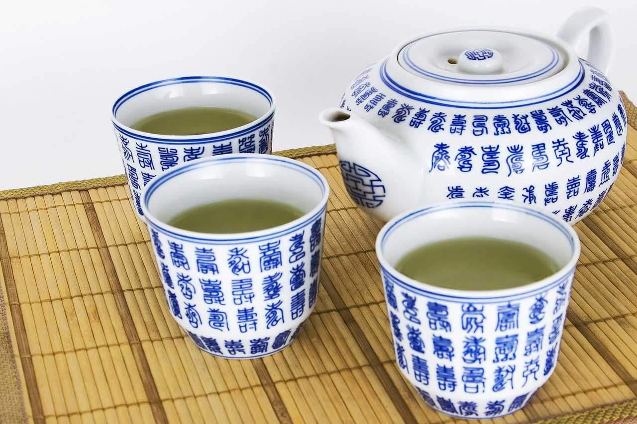 Mit Matcha Tee abnehmen und Stoffwechsel aktivieren.