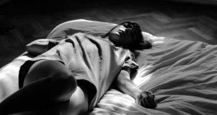 Wer genau so nächtigt, verbraucht im Schlaf noch mehr Kalorien