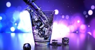 Lebenselixier Wasser: Wie es beim Abnehmen helfen kann