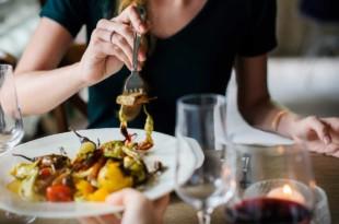 Ernährung in den Wechseljahren: Ist eine Diät sinnvoll?